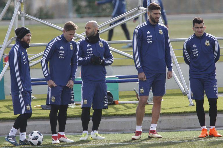 Messi, Viglia, Mascherano y Fazio entranando