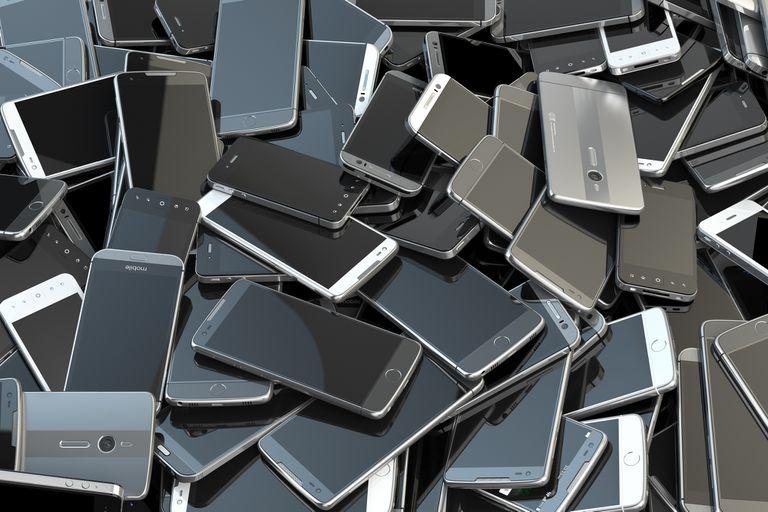 Con el actual ritmo de renovación anual de smartphones, tabletas y accesorios, algunos países comenzaron a exigir un índice de reparación para reducir el volumen de desechos electrónicos