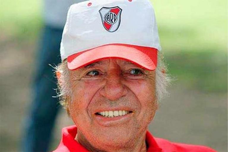 River Plate y su presidente Rodolfo D'Onofrio despidieron a Carlos Menem