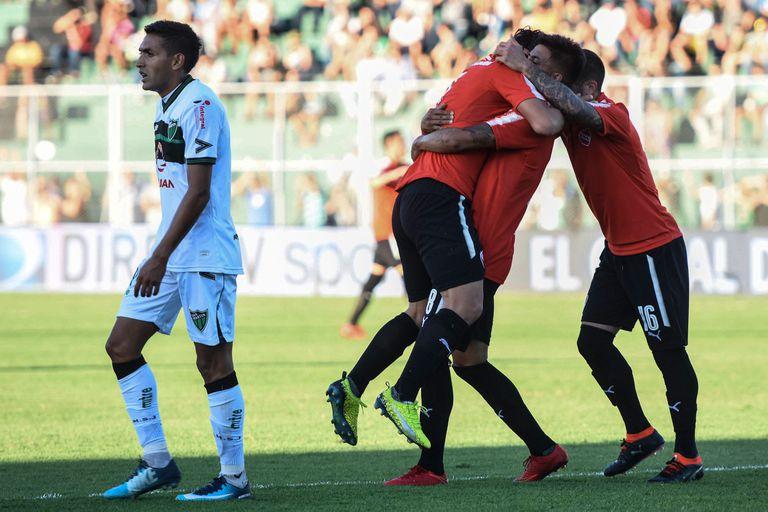 Independiente goleó a San Martín de San Juan y está tercero en la Superliga