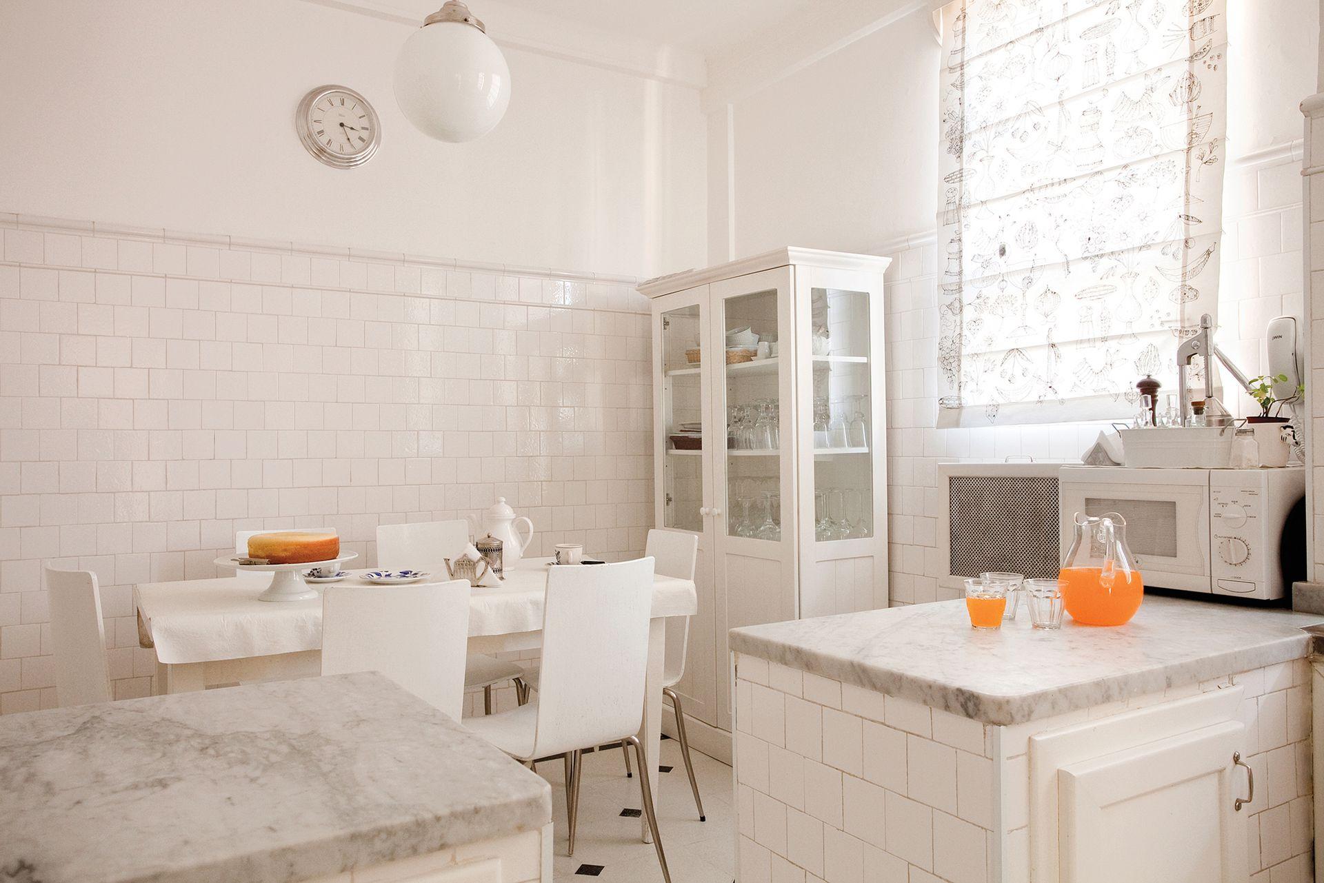 La cocina se renovó completamente: desde el piso hasta los revestimientos.