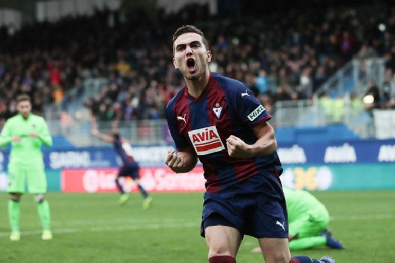 El milagro Eibar: el club que tenía dos empleados y ahora compite con Messi