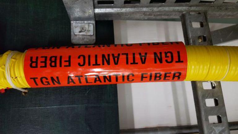 El cable TGN-Atlantic viaja por el océano desde Reino Unido hasta EE.UU.