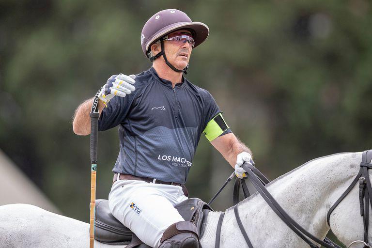 Mariano Aguerre, capitán de Los Machitos; tras mantener la categoría, evaluará si sigue jugando