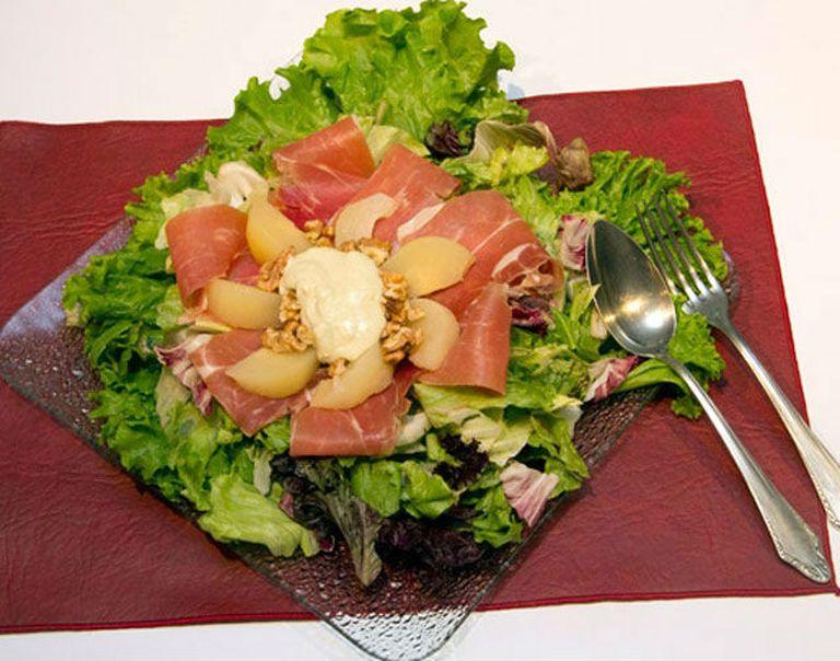 Ensalada de jamón crudo y peras
