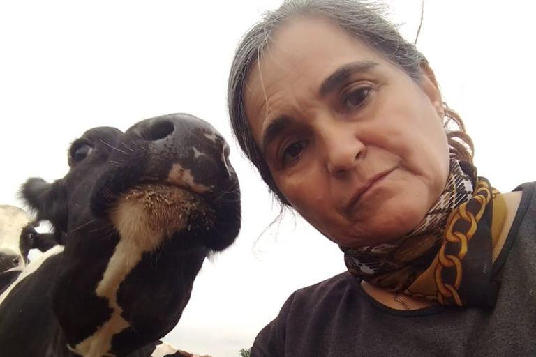 La tambera Alejandra Badino recibió en su establecimiento en Cañada Rosquín al director de Lechería del Ministerio de Agricultura, Arturo Videla
