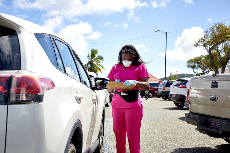El 3% de las vacunas en las Islas Vírgenes de Estados Unidos han sido aplicadas a turistas. Los norteamericanos con la capacidad económica suficiente, viajan al Caribe para aprovechar las dosis adicionales y asegurar su inoculación