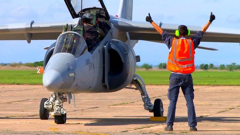 Un avión Pampa, de la Fábrica Argentina de Aviones; la compra del sistema de frenado para el tren de aterrizaje se transformó en una estafa en la que se perdieron casi medio millón de dólares