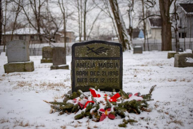 Mollie Maggia fue la primera trabajadora del radio que murió a consecuencia de su trabajo como pintora de relojes