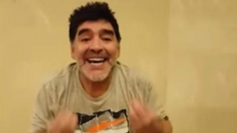 """Maradona no se calla y le responde a Capriles: """"Yo sé muy bien lo que es no tener nada para comer"""""""