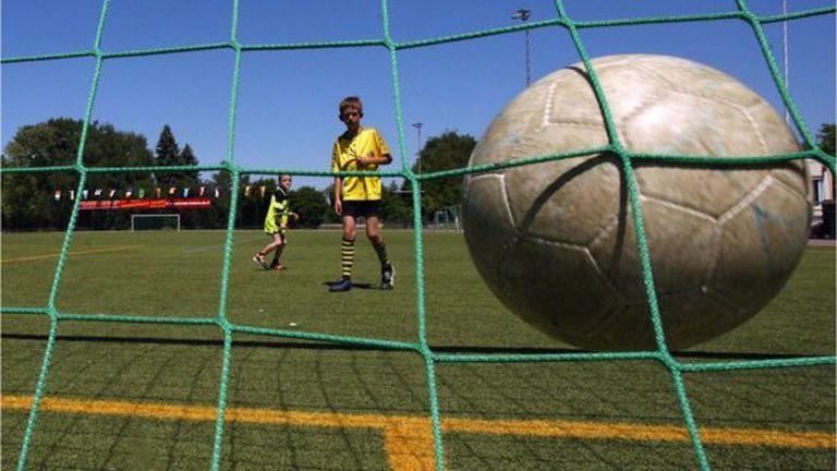 A muchos niños se les dificulta seguir practicando deporte al pasar a secundaria