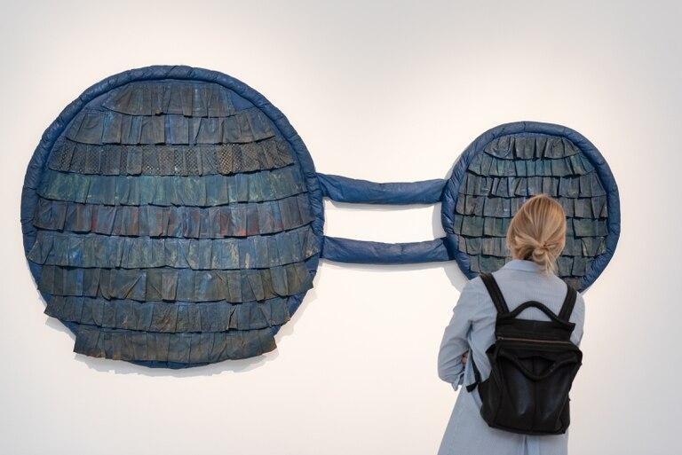 Leda Catunda: la artista brasileña comparte muestra con Alejandra Seeber