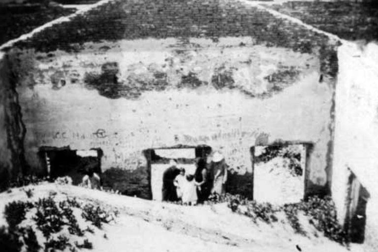 El interior del hotel, repleto de arena en 1911