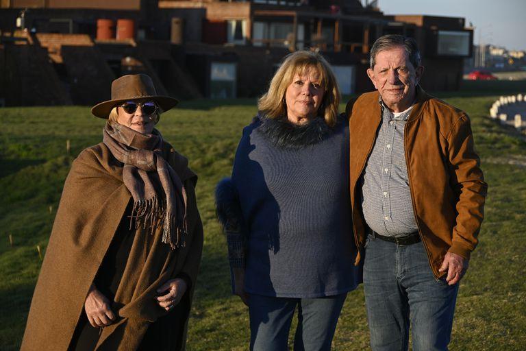 Maria Fernanda Poveraj, Silvia Simón y Juan Jose García Diaz disfrutan de Punta del ESte