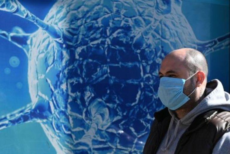 La mascarilla reduce la posibilidad de tener síntomas severos de Covid-19, dicen los investigadores.