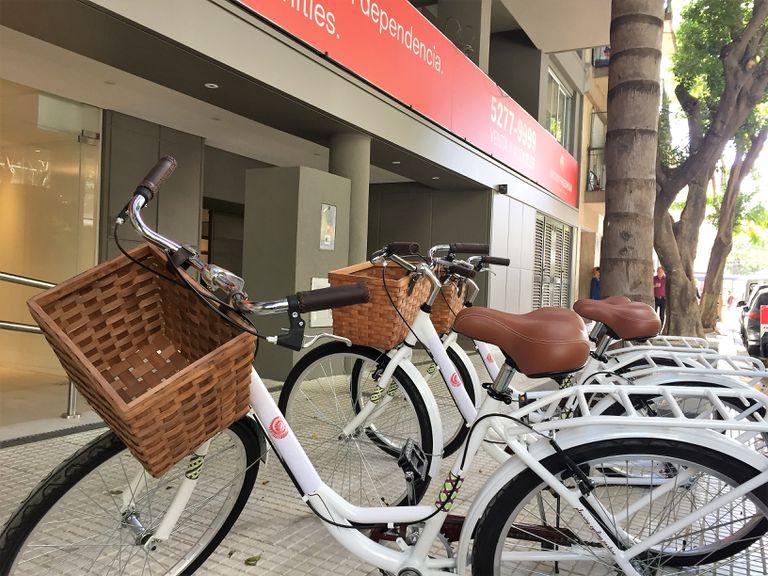 Un estudio reveló que trasladarse en bicicleta en la Capital es más rápido que en auto cuando el recorrido es menor a 6,8 kilómetros