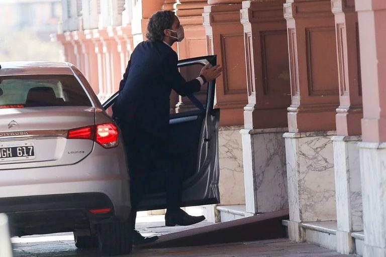 Santiago Cafiero, al entrar en la Casa Rosada