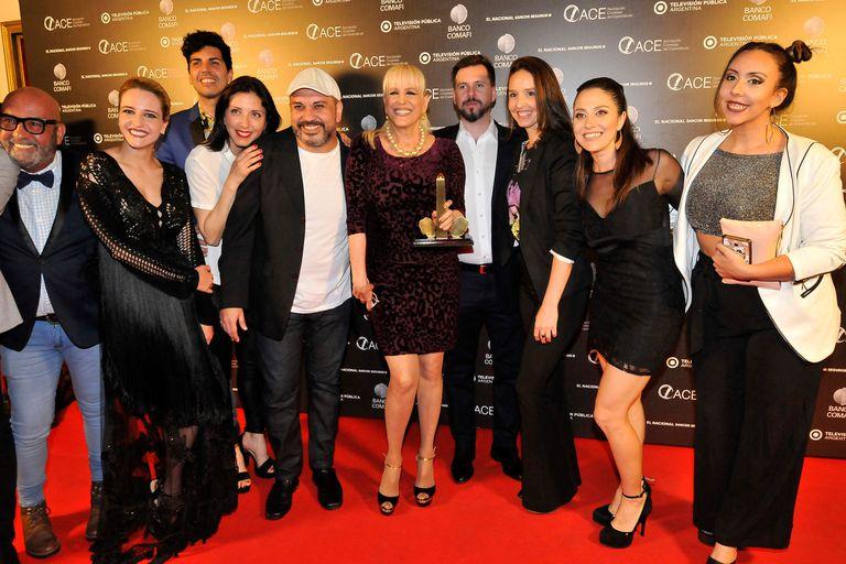 Parte del elenco de Sunset Boulevard, la gran ganadora de la noche