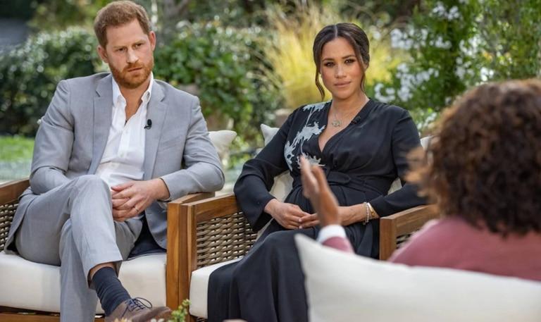 La entrevista entre Harry y Meghan y Oprah Winfrey se transmitirá en el Reino Unido este lunes por la noche, y si los duques de Sussex incumplen el acuerdo que hicieron con la corona cuando se fueron de Inglaterra y cuentan lo que no deberían, pueden ser castigados