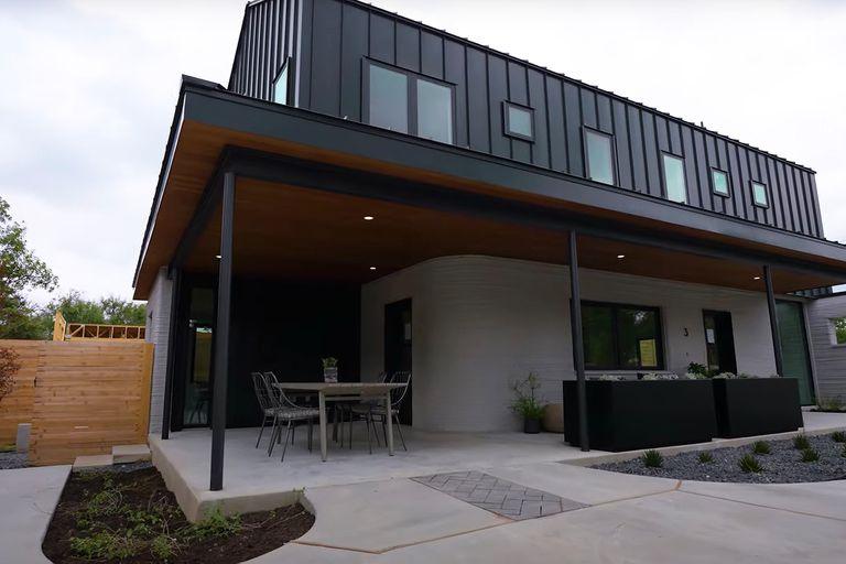 Construcción de viviendas de hormigón levantadas con impresoras 3D en Estados Unidos. Los promotores 3Strands han contratado la tecnología de la constructora ICON para montar en poco más de un mes cuatro viviendas en Austin, Texas