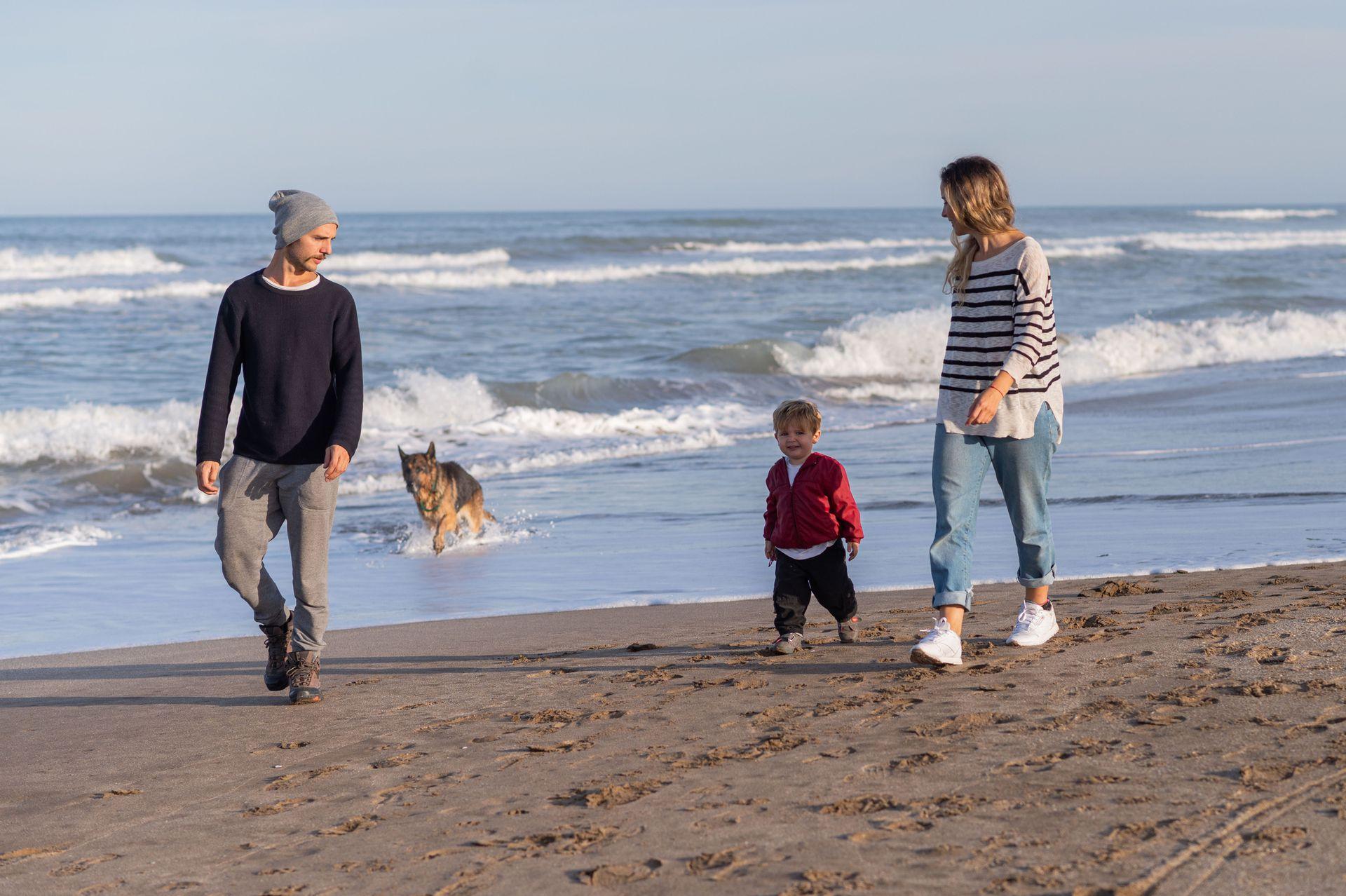 Joy Schvindlerman y su novio, Lucas Lucente, dejaron su departamento en Colegiales y decidieron atravesar la segunda ola de coronavirus junto al mar, en Ostende