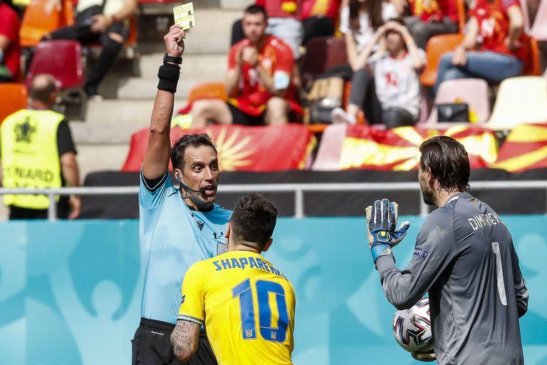 Rapallini, de jugador e hincha protestón en las canchas argentinas a debutar como árbitro en la Eurocopa