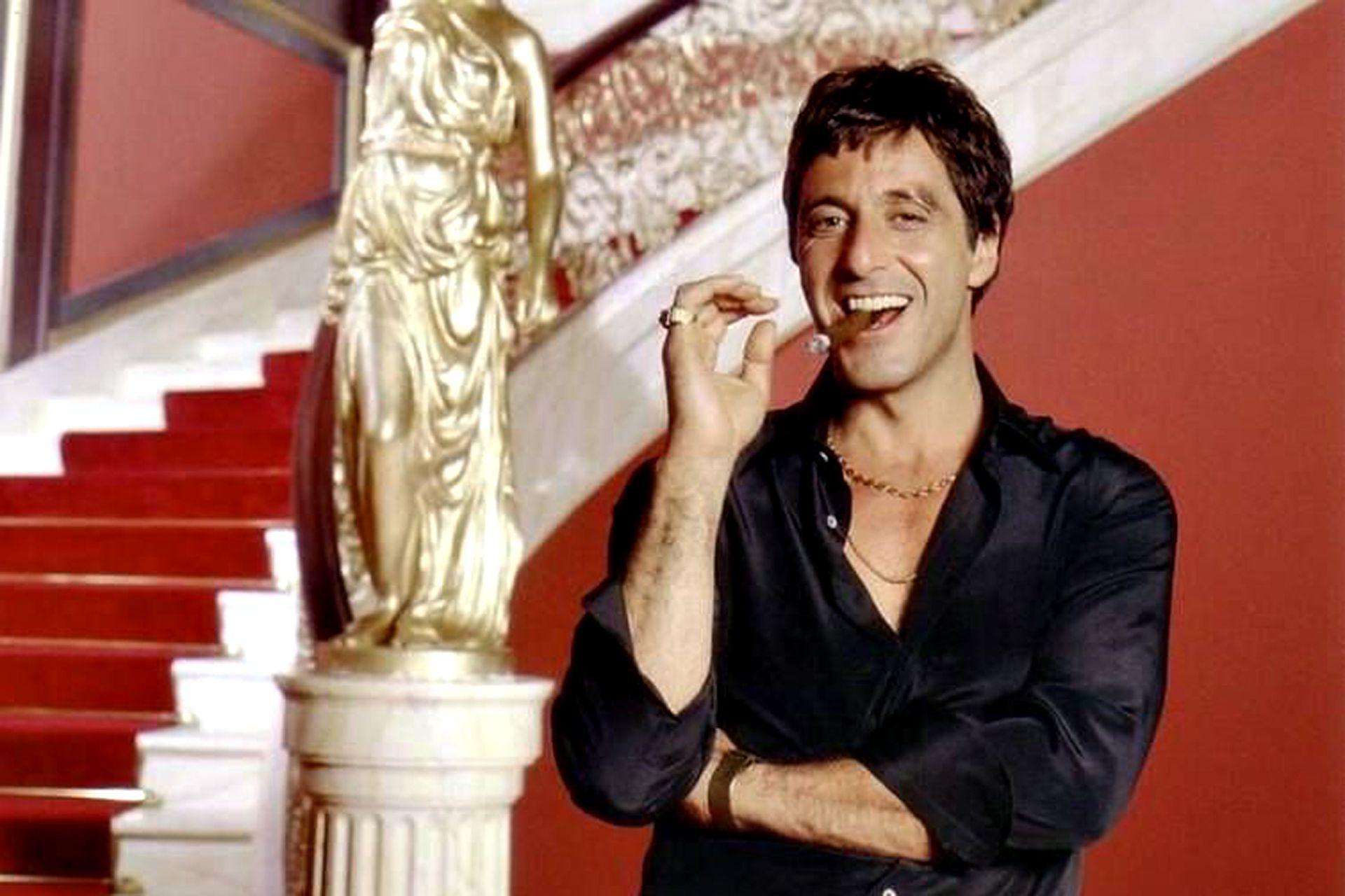 """Pacino en el backstage de la filmación de la película """"Scarface"""", estrenada en Argentina en 1984"""