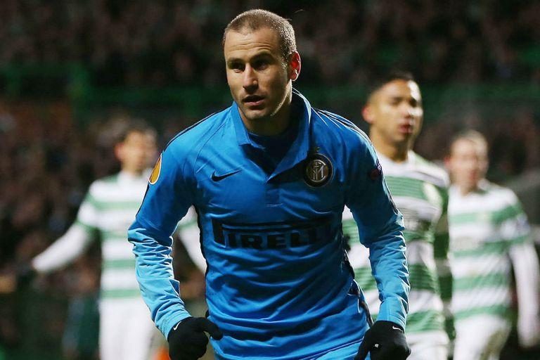 Rodrigo Palacio hizo dos goles en el empate del Inter
