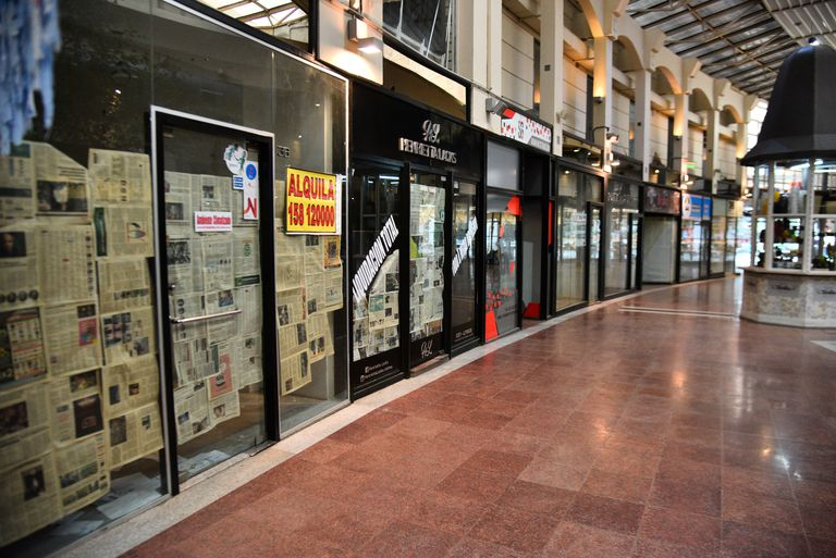 Las galerías del microcentro de Córdoba son las más afectadas por la crisis económica derivada de la pademia