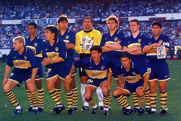 Aquellos años en Boca... abajo, a la derecha, adelante de Maradona; lo dirigieron Menotti y también Bilardo