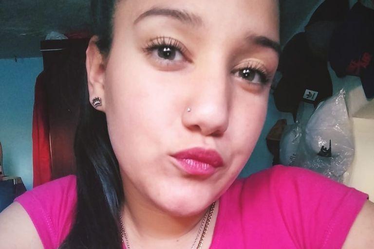 Villa Crespo: viajaba en moto, la atropelló un patrullero y murió
