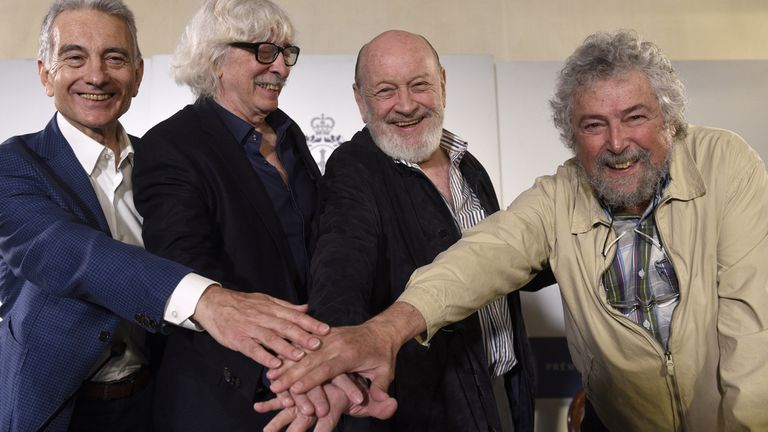 Les Luthiers, en Oviedo, antes de recibir el Premio Princesa de Asturias de Comunicación y Humanidades 2017