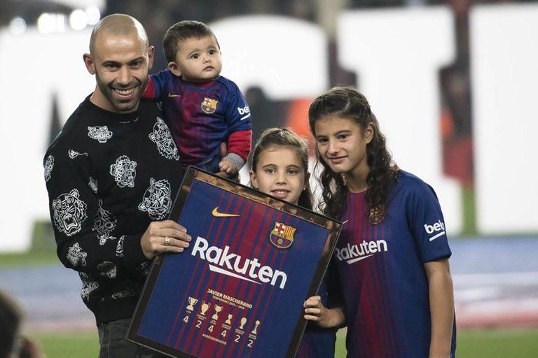 """""""Ojalá no sea un adiós a Barcelona sino un hasta luego"""", deseó Mascherano"""