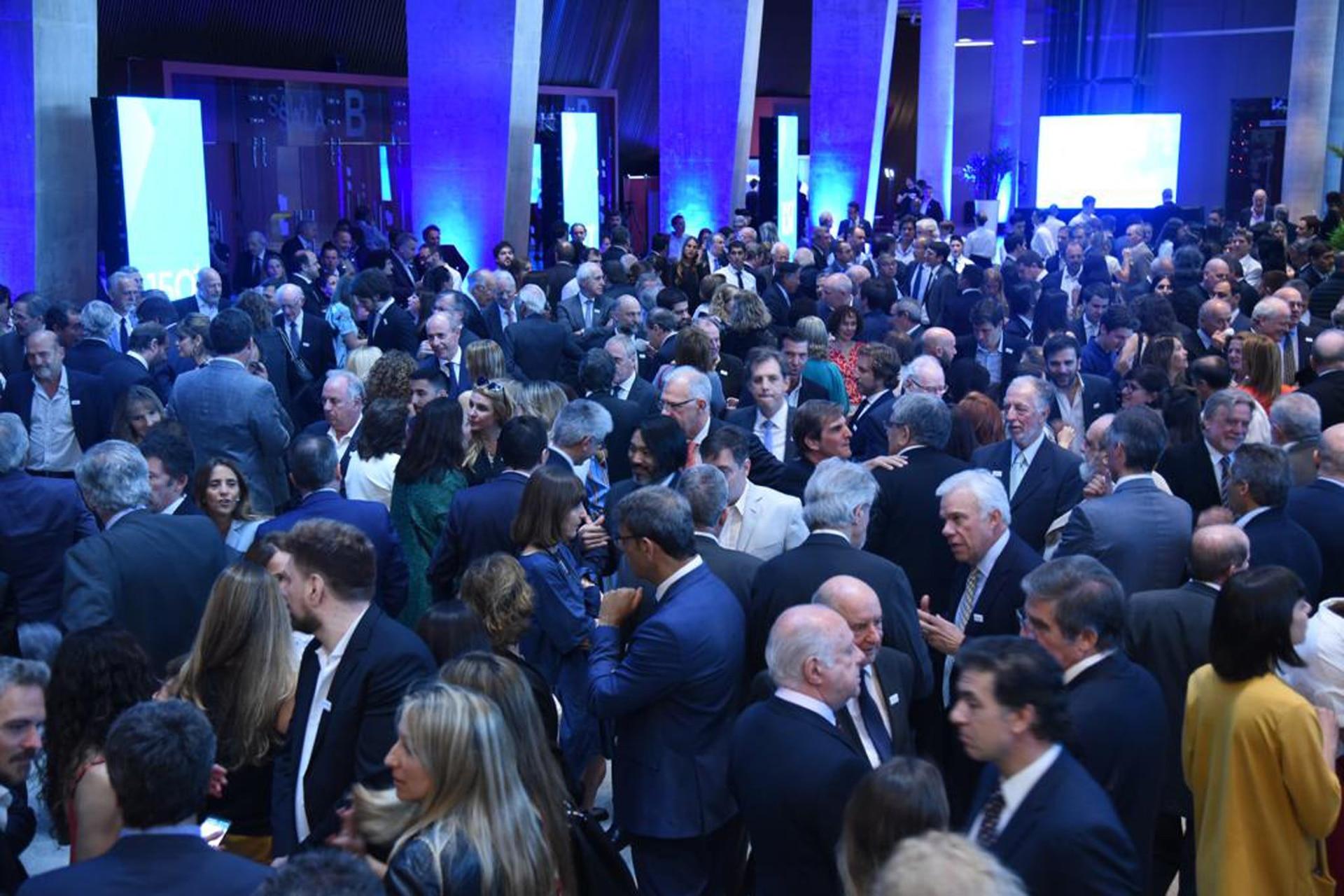 Más de 1600 invitados celebran los 150 años de LA NACION
