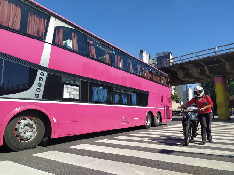 Tras 48 horas, empresas de turismo levantaron el corte de la avenida 9 de Julio