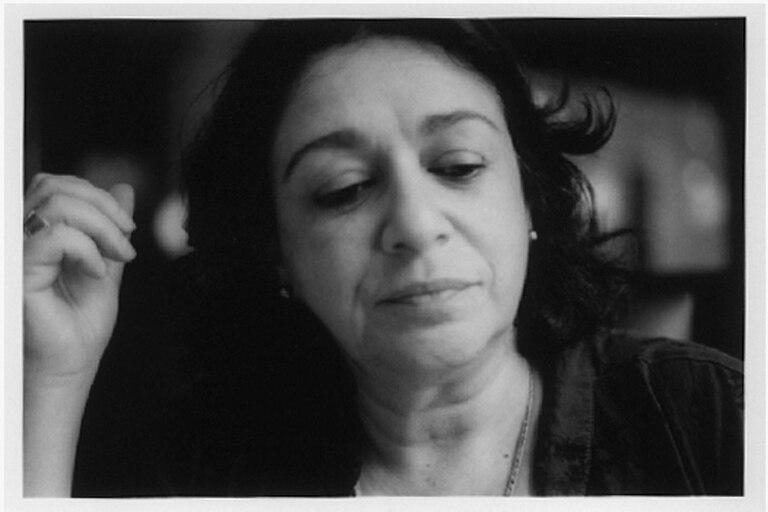 La poeta Mercedes Roffé es editora del sello Pen Press, que publica plaquetas de poesía argentina y extranjera desde 1999