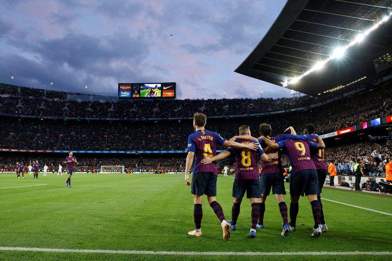El Camp Nou vivió una fiesta con la goleada de Barcelona sobre Real Madrid