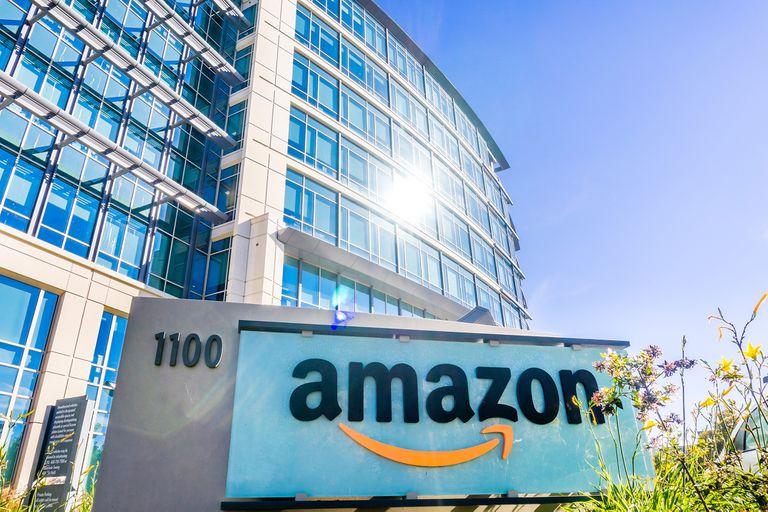 Amazon busca insertarse a otros modelos de comercio minorista