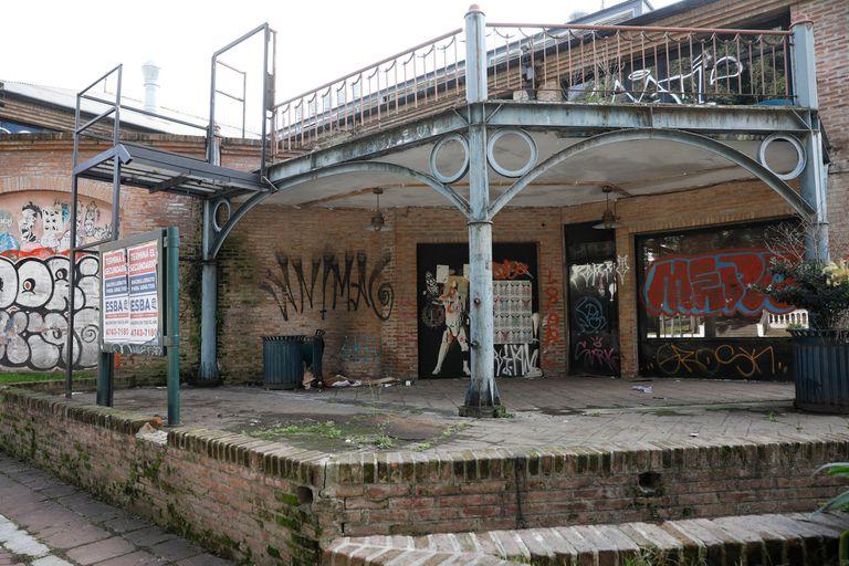 Convertirán el centro comercial abandonado del Tren de la Costa en una sede universitaria