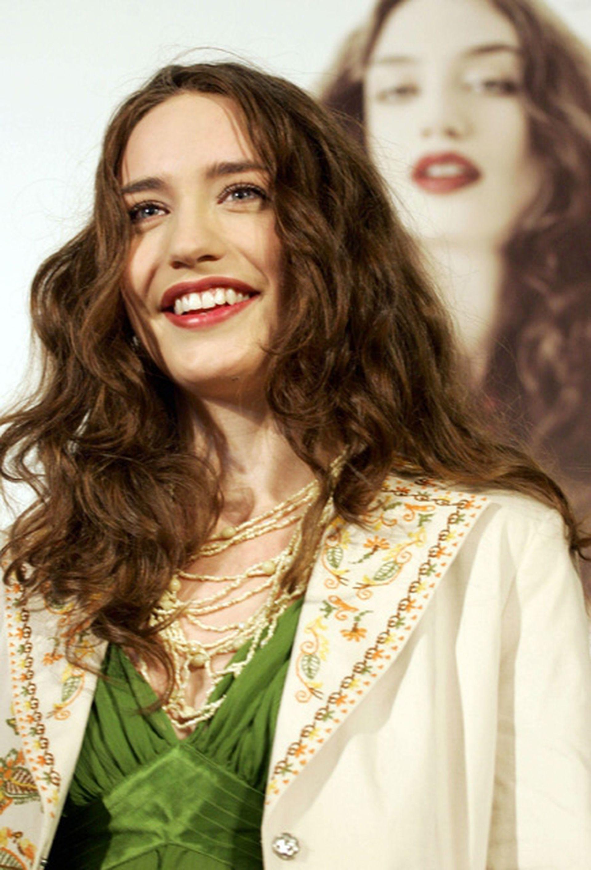 Elizabeth Jagger, una de las hijas de Mick y Jerry Hall, trabaja como modelo y se parece mucho a su madre
