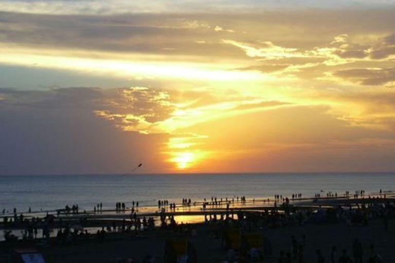 La Costa Atlántica está llena de balnearios pero solo uno permite ver la salida y la puesta del sol sobre el agua; los usuarios de TripAdvisor dieron su veredicto