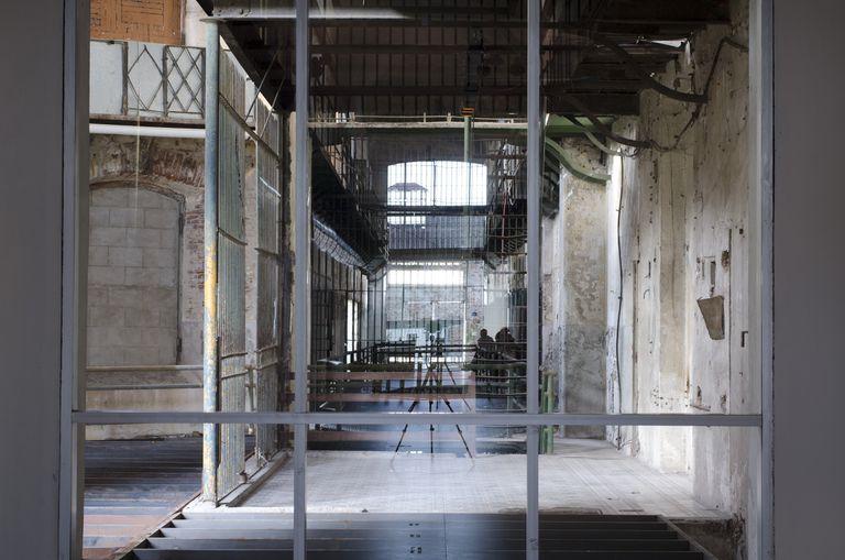 Obra de Eugenia Calvo en la antigua cárcel de Montevideo