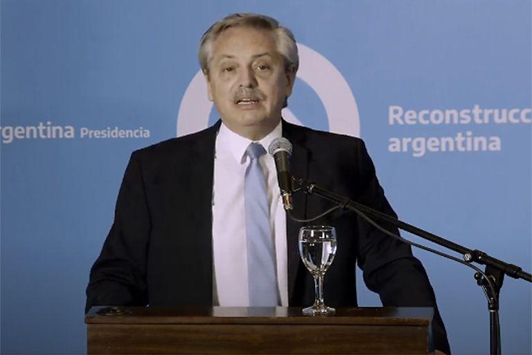 """El presidente de la Nación llegó a San Juan para firmar convenios y sostuvo que """"la Argentina dice ser un país federal, pero no se comportó como tal"""""""