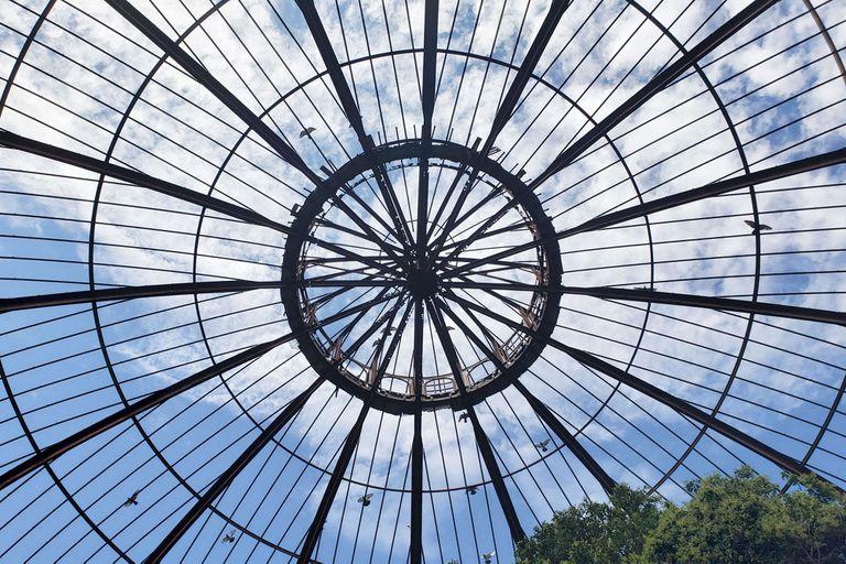La cúpula tiene 20 metros de diámetro y en su centro colgaba una araña para iluminar las noches