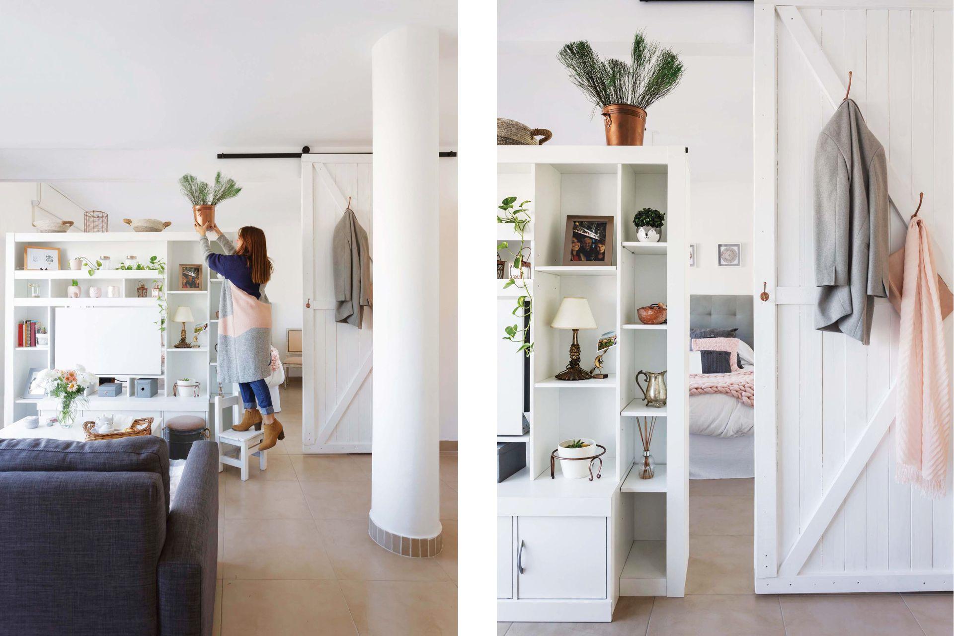 Las decoradoras de Casa Gris, que la asesoraron con la ambientación, le agregaron ganchos a la puerta corrediza, y así adquirió uso extra como perchero.