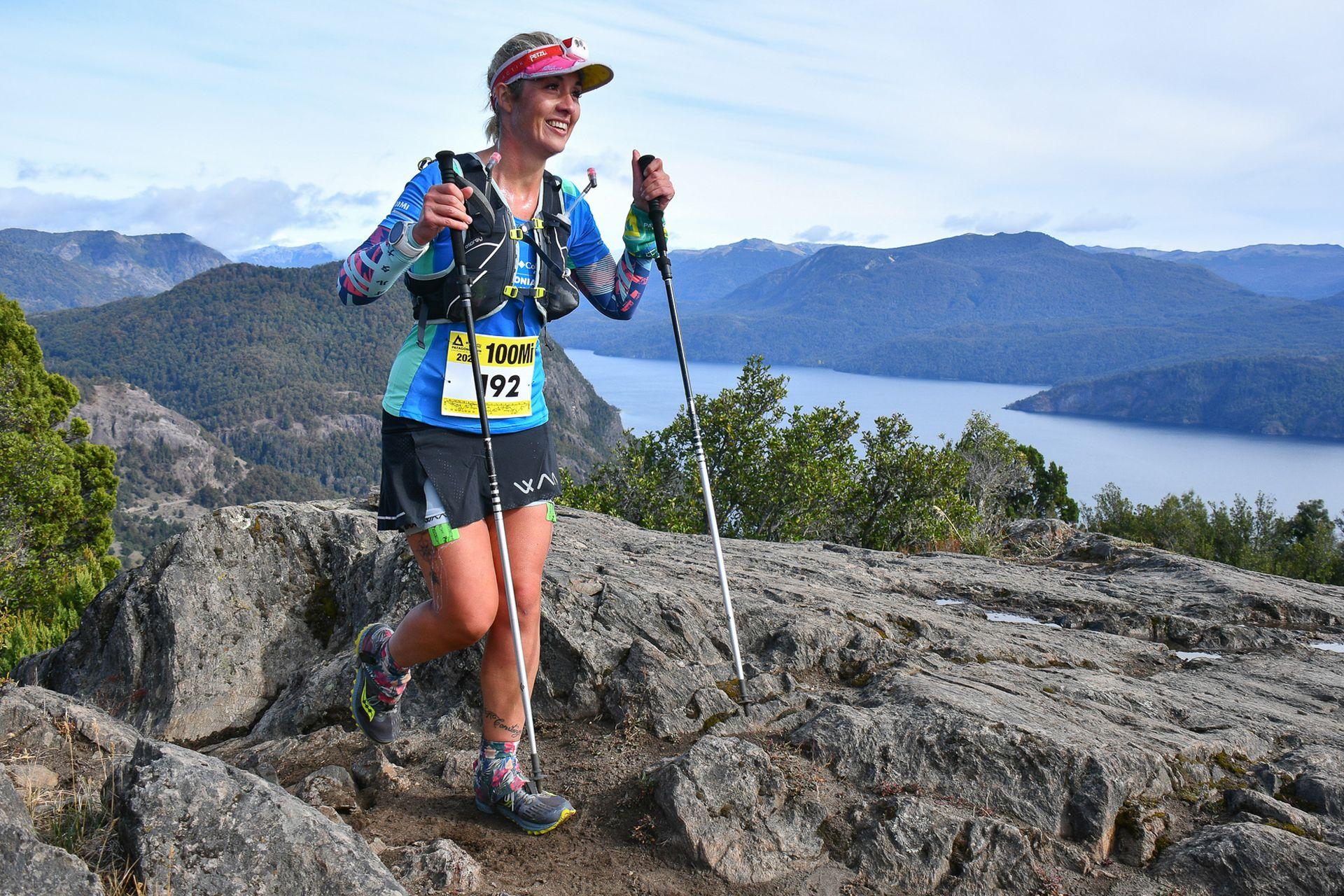 Osprey, Blackdiamond, 7 Vidas Tatoo, Best cerveza artesanal y Pircca Trail conforman la estructura de apoyo que le permite a Victoria Allen perseguir sus objetivos deportivos. En abril de 2021 Victoria Allen corrió las 100 millas de Patagonia Run.