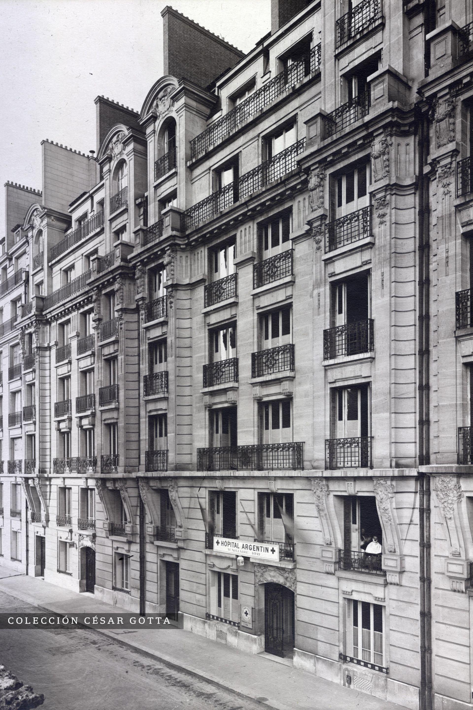 Frente del Hospital Argentino en París, en el número 14 de la rue Jules Claretie.
