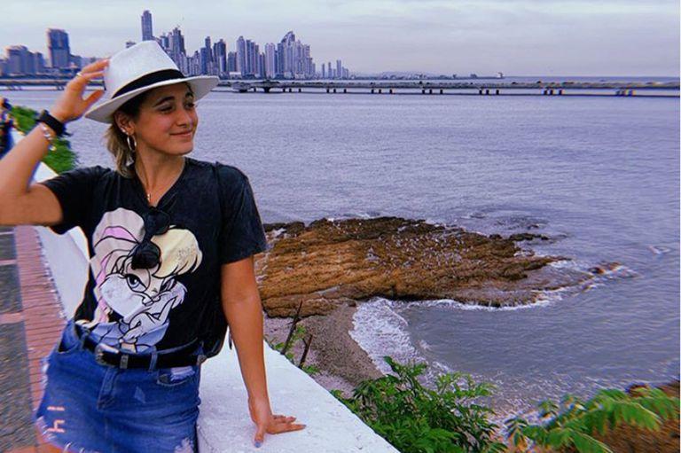 Delfina Pignatiello en modo vacaciones: en Panamá y...en la pileta