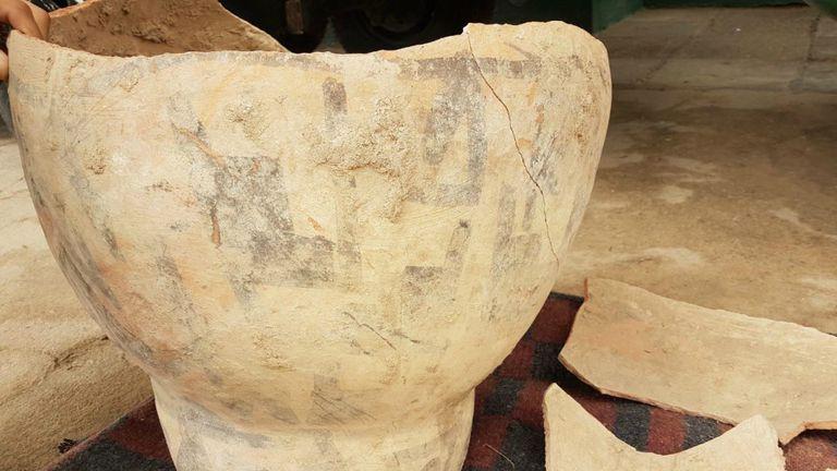 La urna correspondería a la cultura Ciénaga o Aguada (400- 700 d.C)