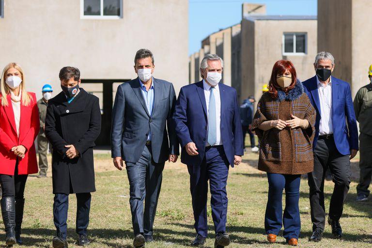 Alberto en Olivos, Cristina con La Cámpora y Massa en Diputados, frenéticas reuniones a horas del cierre